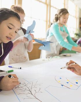 Barn i Art Class