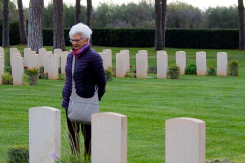 BariWarCemetary-Memorial Day-lr-7568.jpg
