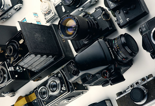 assorted-black-cameras-1983036_edited.jp
