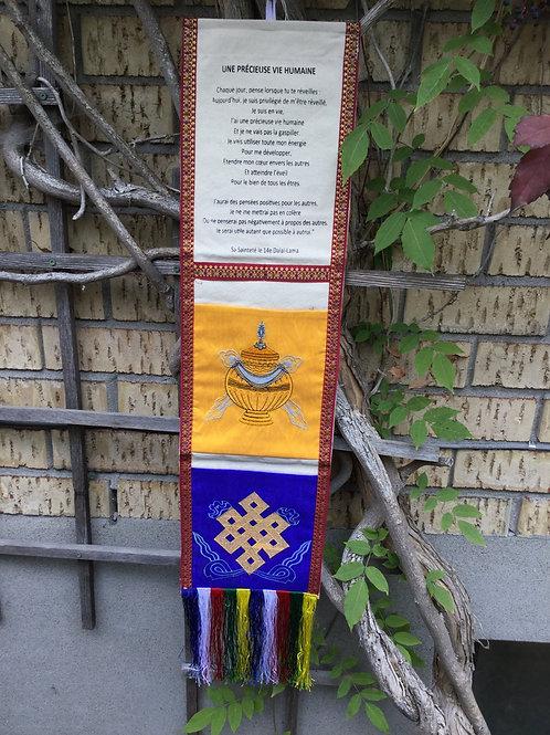 Bannière à pochettes(2) et message de Sa Sainteté le Dalaï-Lama