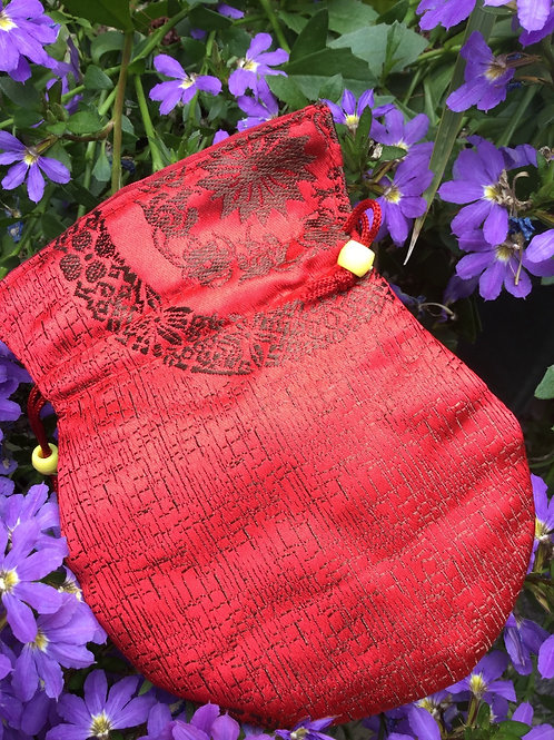Mala pouch in red satin