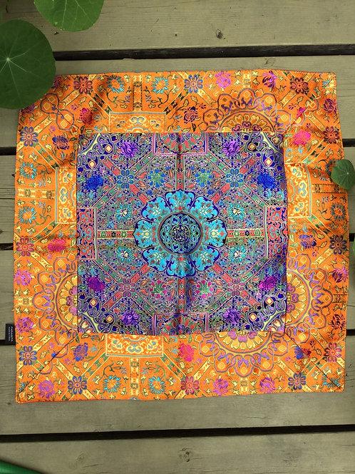 Nappe d`autel violet et or,  carré 50 cm x 50 cm