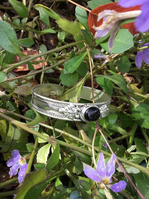 Bracelet en métal avec onyx