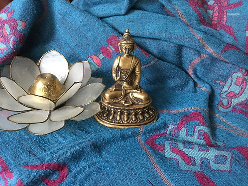Statuette du Bouddha avec moudra de l'enseignement