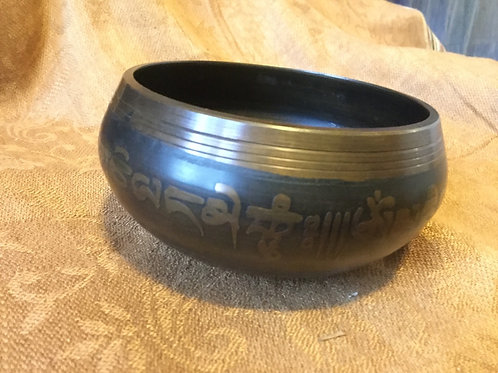 Tibetan singing bowl 9 cm, painted in black and gold