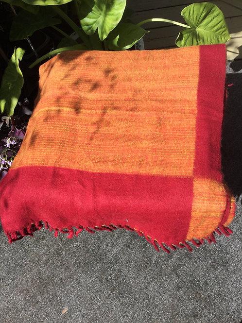 Couverture simili-laine de yak orange et rouge vin