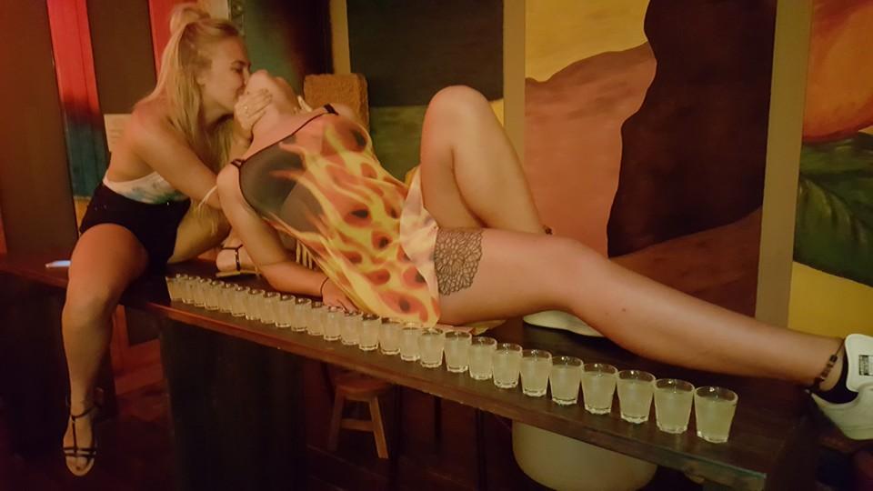 party-hostel-rimini-ostello-hotel-economici-bar-jammin-hostel