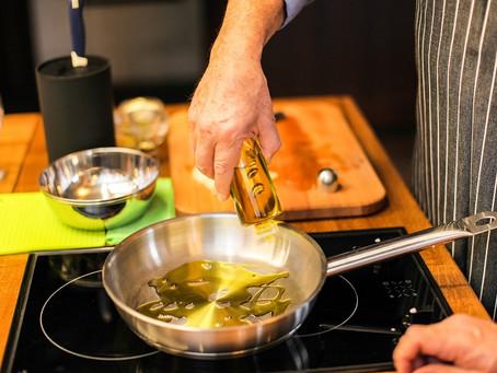 6 Ventajas de freír con aceite de oliva frente al de girasol