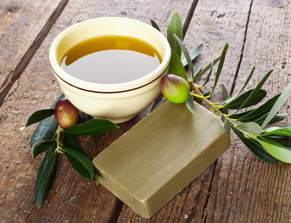 El jabón de aceite de oliva es un producto muy beneficioso para las pieles más sensibles