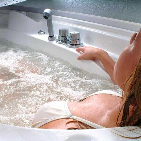 Hydromassage Magnesium Bath & Salt Cave