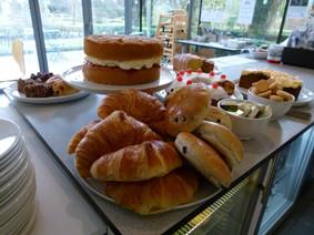 Sunbury Gallery Signature Cakes