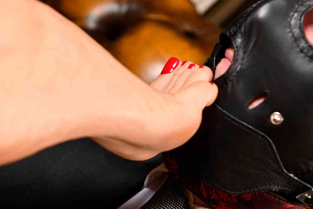 Footfetish Mistress Geneva