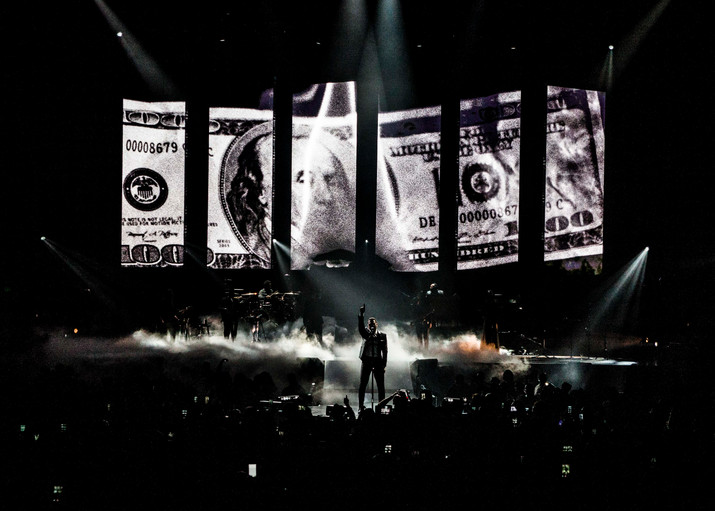 """MAXWELL """"King and Queen of Hearts"""" Tour Visuals"""