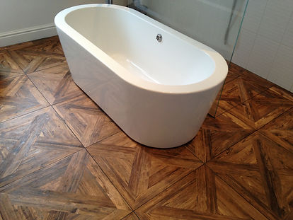 parquet in bagno.JPG