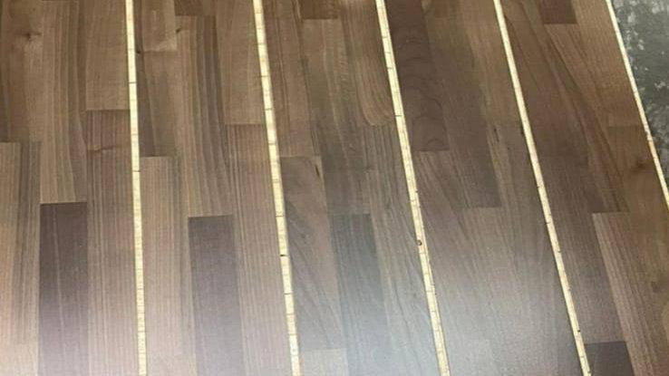1410 - Noce 3 Strip - Verniciato 14x180x2200mm - 3,5mm di strato nobile