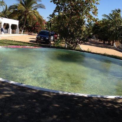 Alberca chica en Pichacúa la isla