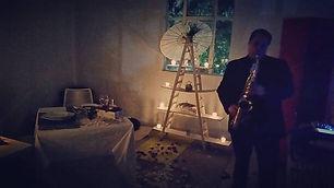 cena romantica con saxofonista
