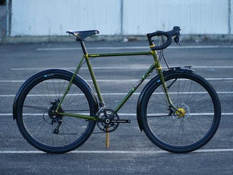 【BIKE CHECK】Lightning Bolt Complete Bikes