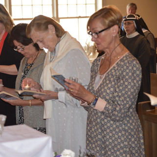 4 Oblates Reading their promises