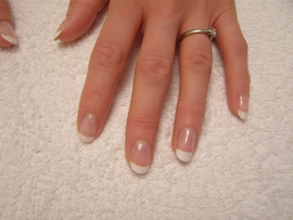 FrenchManicure 1.jpg