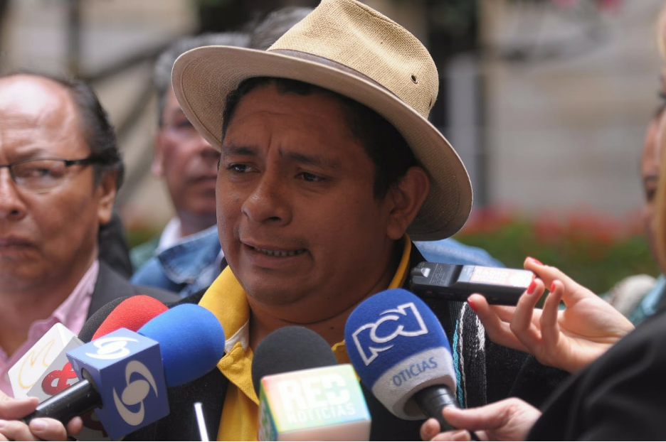 Luis Fernando Arias en declaraciones sobre el acuerdo de pueblos indígenas, negros y campesinos para defender el acuerdo de paz, después del plebiscito de 2016. Foto: Andreé Viana.