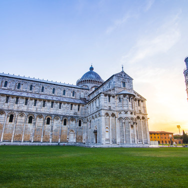 pisa-tower-morning-sunrise-pisa-italy_BPUgqDeOhfl.jpg