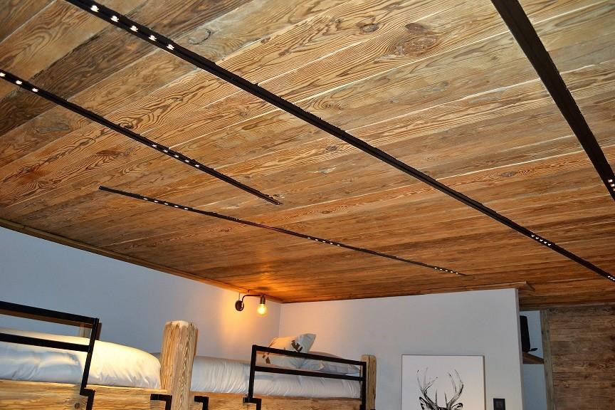 Plafond avec LED intégrées