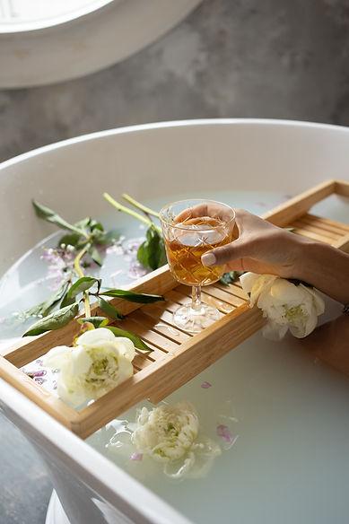 Luxury Spa Bath and Wine
