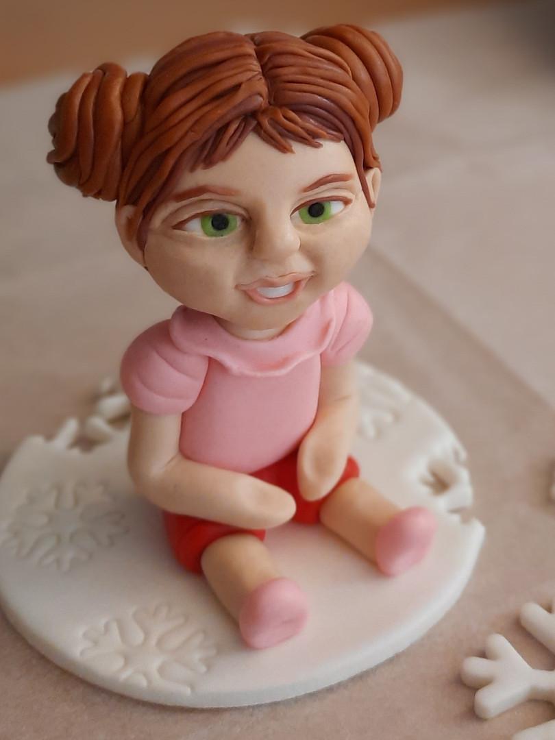 דמות ילדה לעוגה