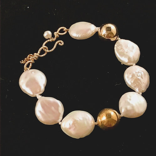 Oval Pearl and Gold Bracelet