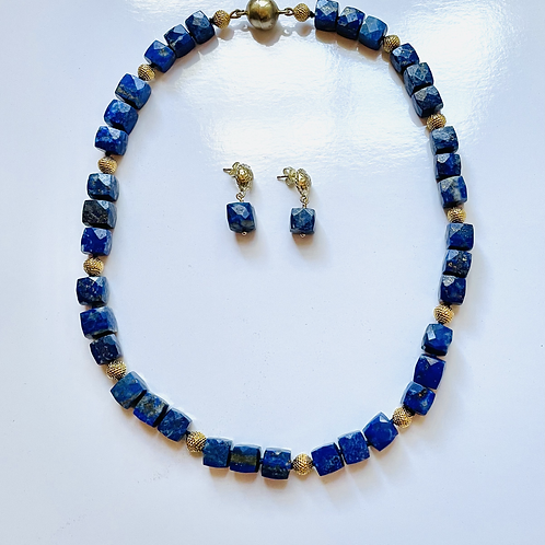 Necklace with Faceted Lapis Squares with Vintage Gold
