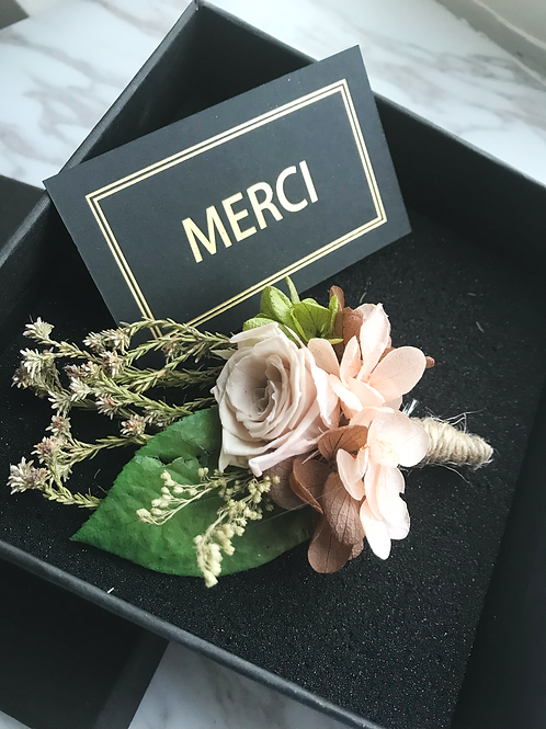 Boutonniere (Preserved flowers)