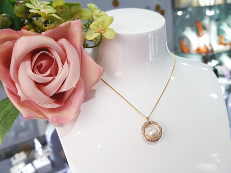 9ct Yellow Gold with Pearl and Cubic Zirconia