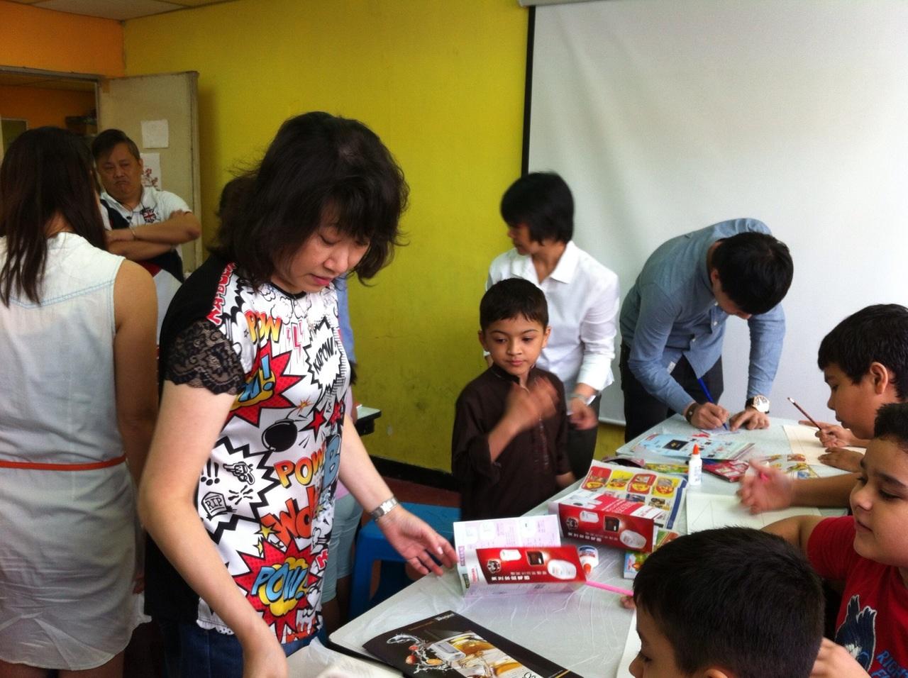 少數族裔小朋友上英文版靈美創意課程!
