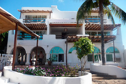 casa-opuntia-galapagos-front-view