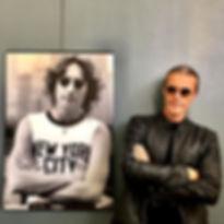 "Auguri John Lennon , ovunque tu sia. ""Yo"
