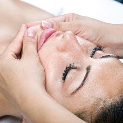 Aromaterapeutická masáž obličeje
