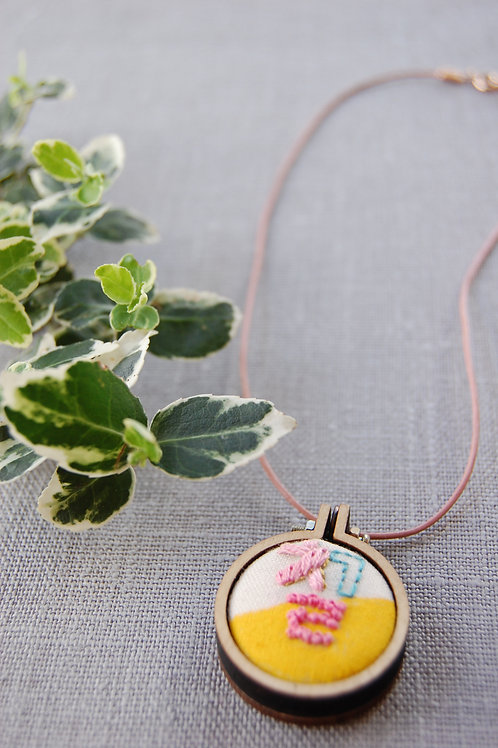 Seven Chil 칠 embroidery Necklace