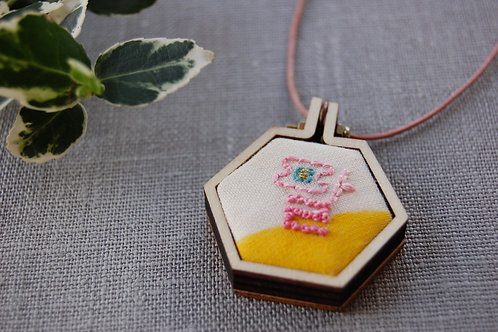 Eight Pal 팔 embroidery necklace
