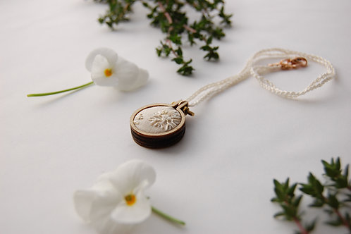 Snow '눈noon' embroidery Necklace