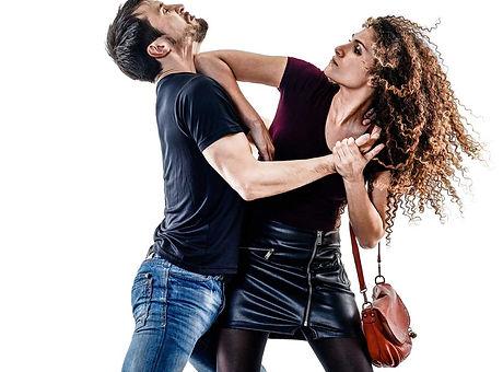 woman-thief-aggression-self-defense-isol