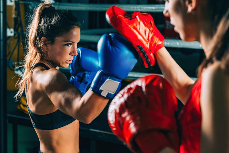 women-on-boxing-training-NL5M9SP.jpg