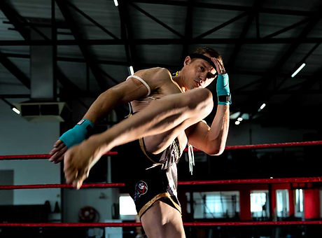 Brett-knee.jpg