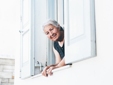 照顧父母的扶養費,我可以要求其他家人分擔嗎?103歲母親的故事-天使律師吳挺絹