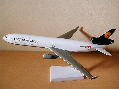 Lufthansa Cargo Scale 1-200 model McDonnell Douglas MD-11 Freighter D-ALCA