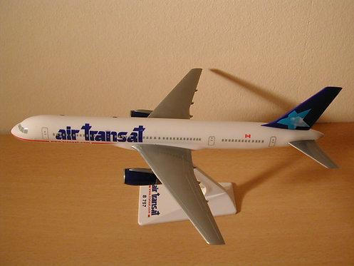 Air Transat Scale 1-200 model Boeing B757-200