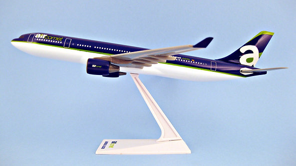 Air Comet Scale 1-200 model Airbus A330-200