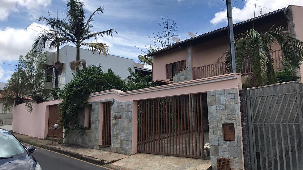 Casa no Centro de Araxá