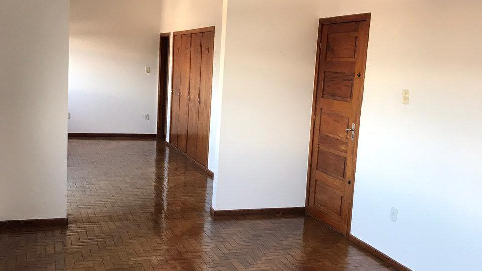 Apartamento Bairro Vila Silvéria com 130 m²