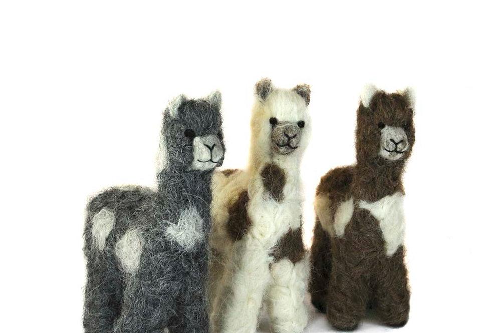 Cria Huacaya: 5.5″ Alpaca Fiber Sculpture - Spotted